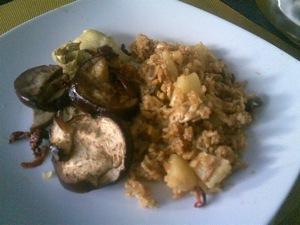 Soja-kerrierijst met gegrilde groenten