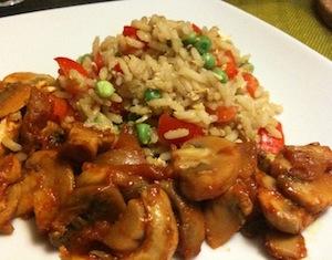 rijst met gemarineerde champignons